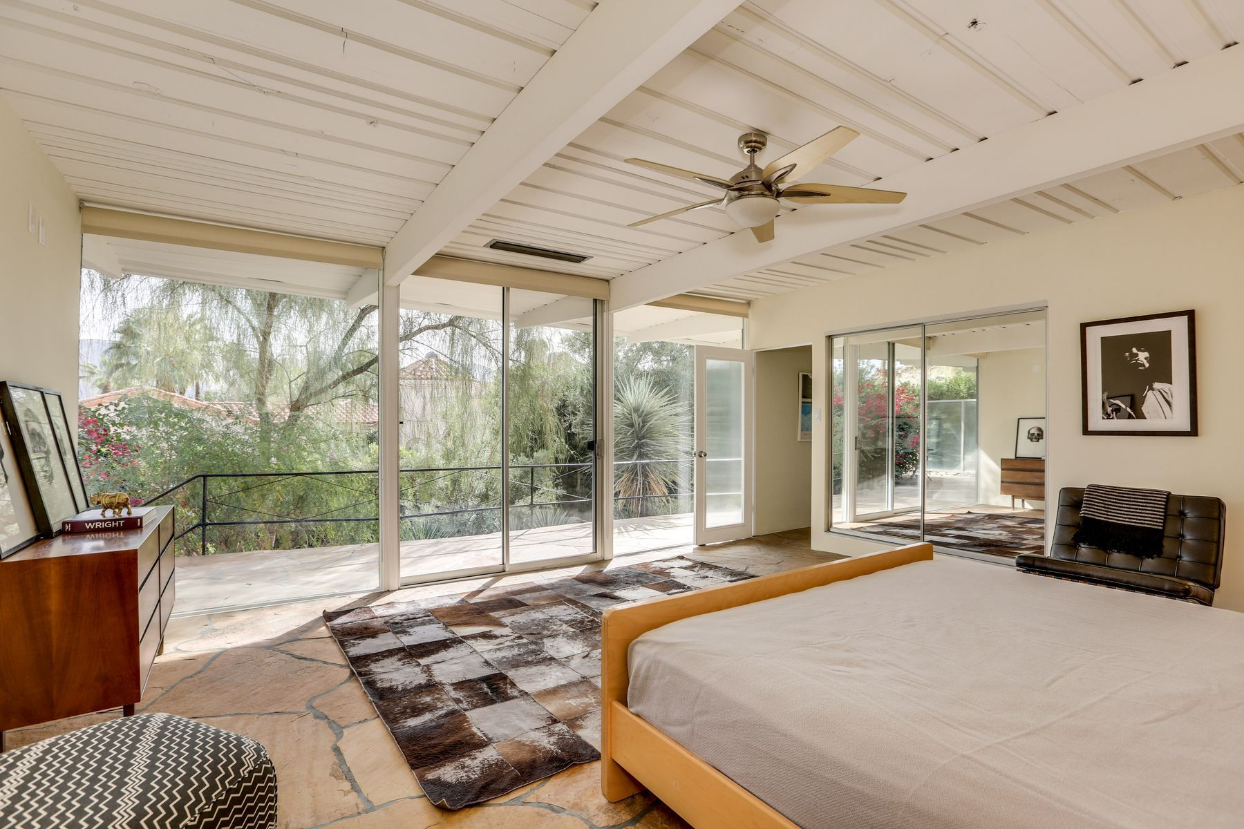 Zsa Zsa Gabors Palm Springs Midcentury is on the market