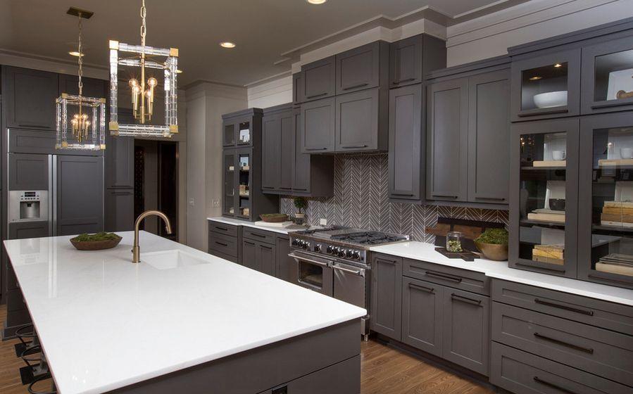 32 Stylish Ways To Work With Gray Kitchen Cabinets Grey Kitchen Designs Kitchen Cabinet Design Modern Kitchen Remodel