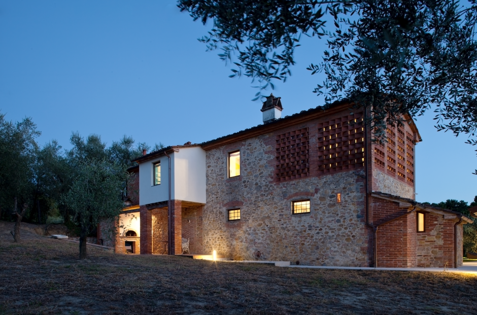 This ex-farmhouse resides in Italy's famed Tuscany region and was originally…