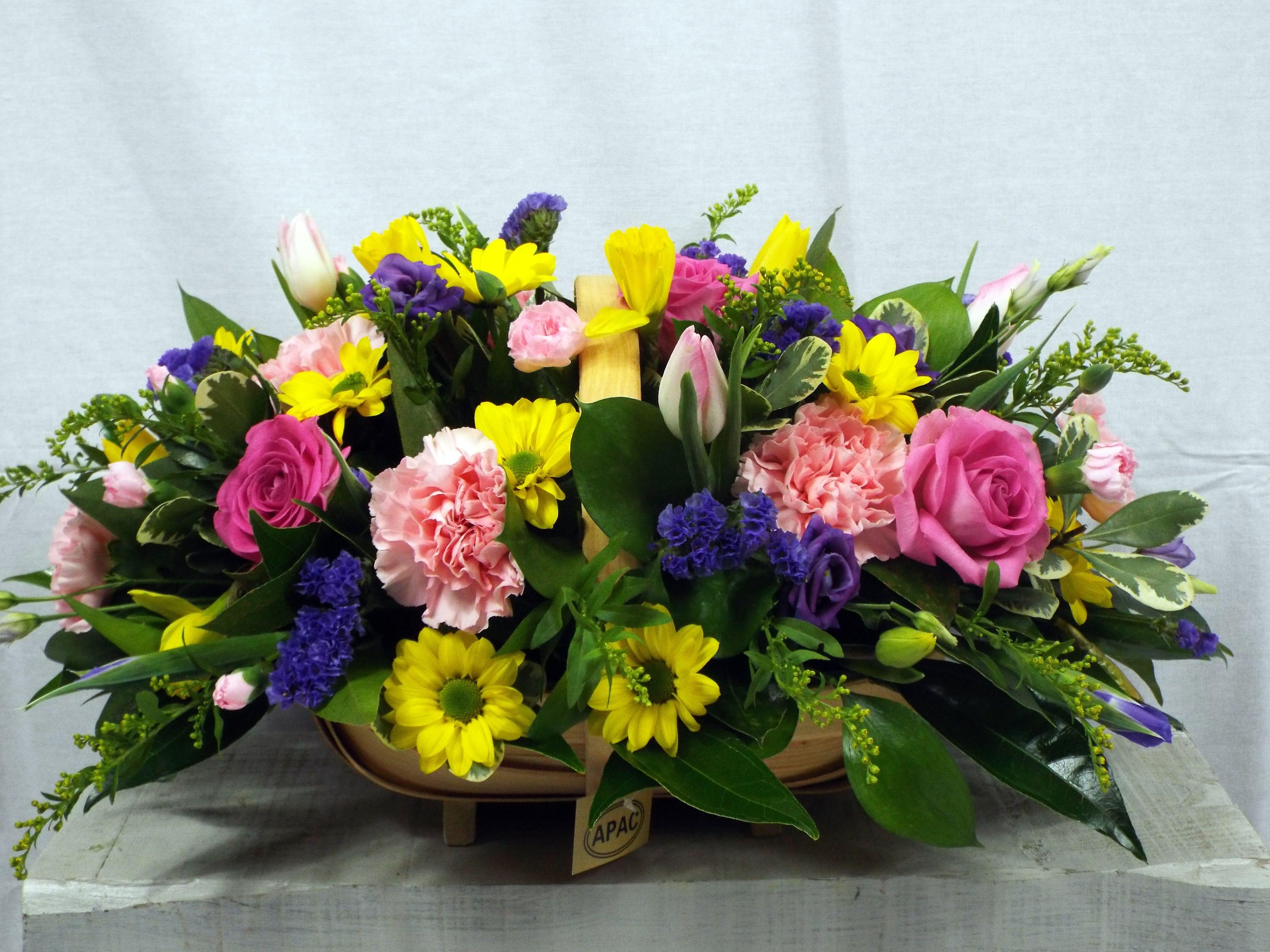 Basket Of Flower Creativeflowerarrangement Creativeflowers