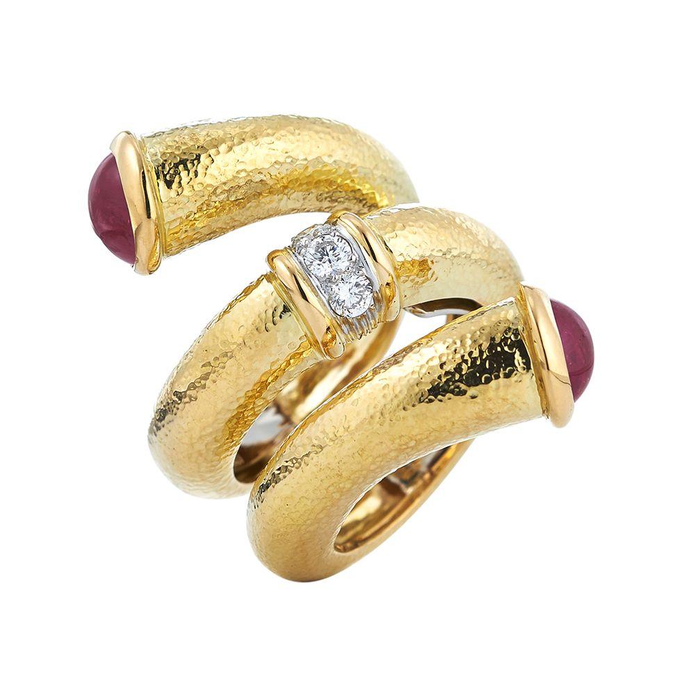 David Webb 18K Diamond Hammered Nail-Shaped Ring EupoSb
