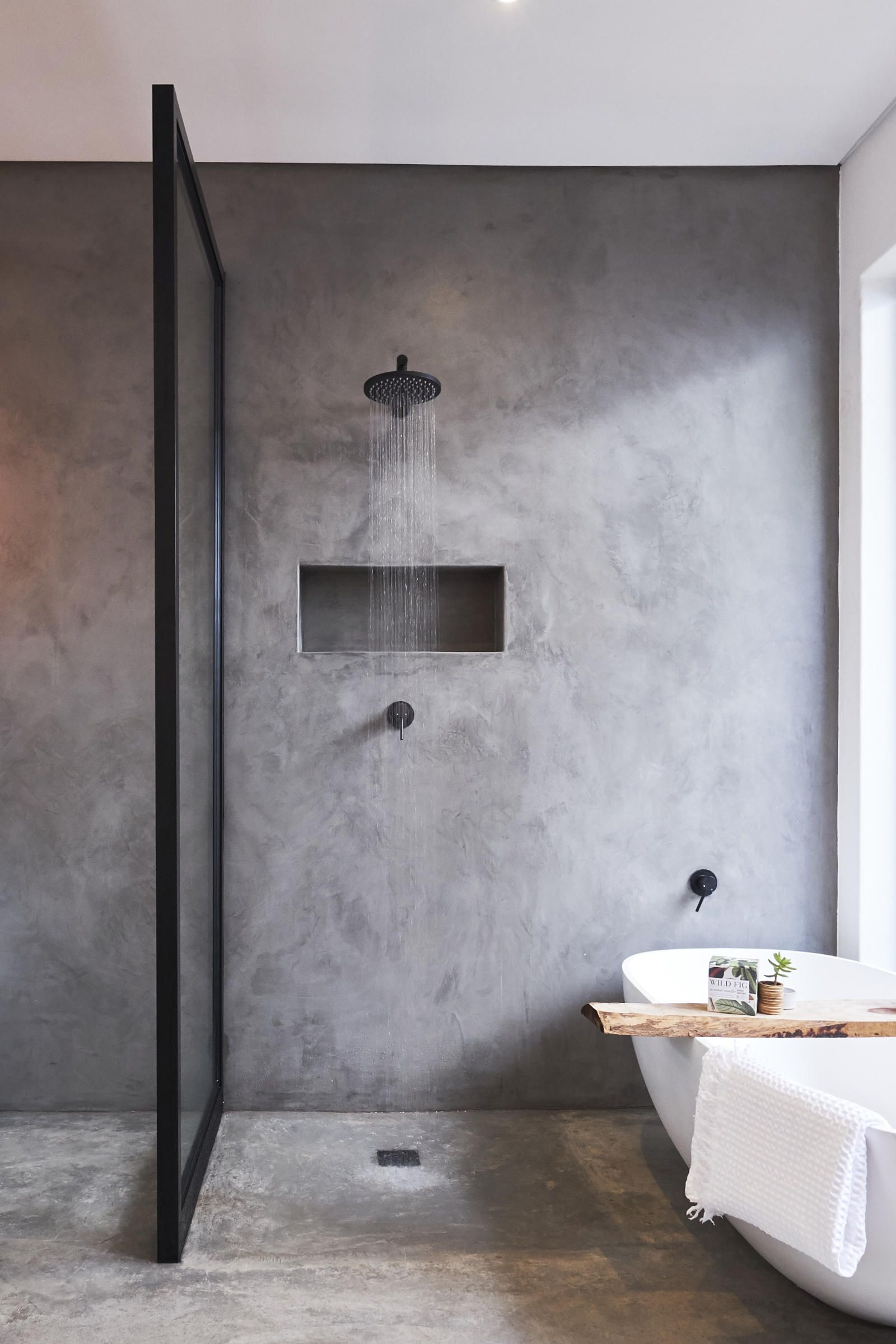 Meir Black Wall Mounted Shower Wall Mixers Shower Grate Cemcote Dark Grey Normal Screed Floors Sealed With Cem Bagno Nero Arredamento Bagno Bagno Di Casa