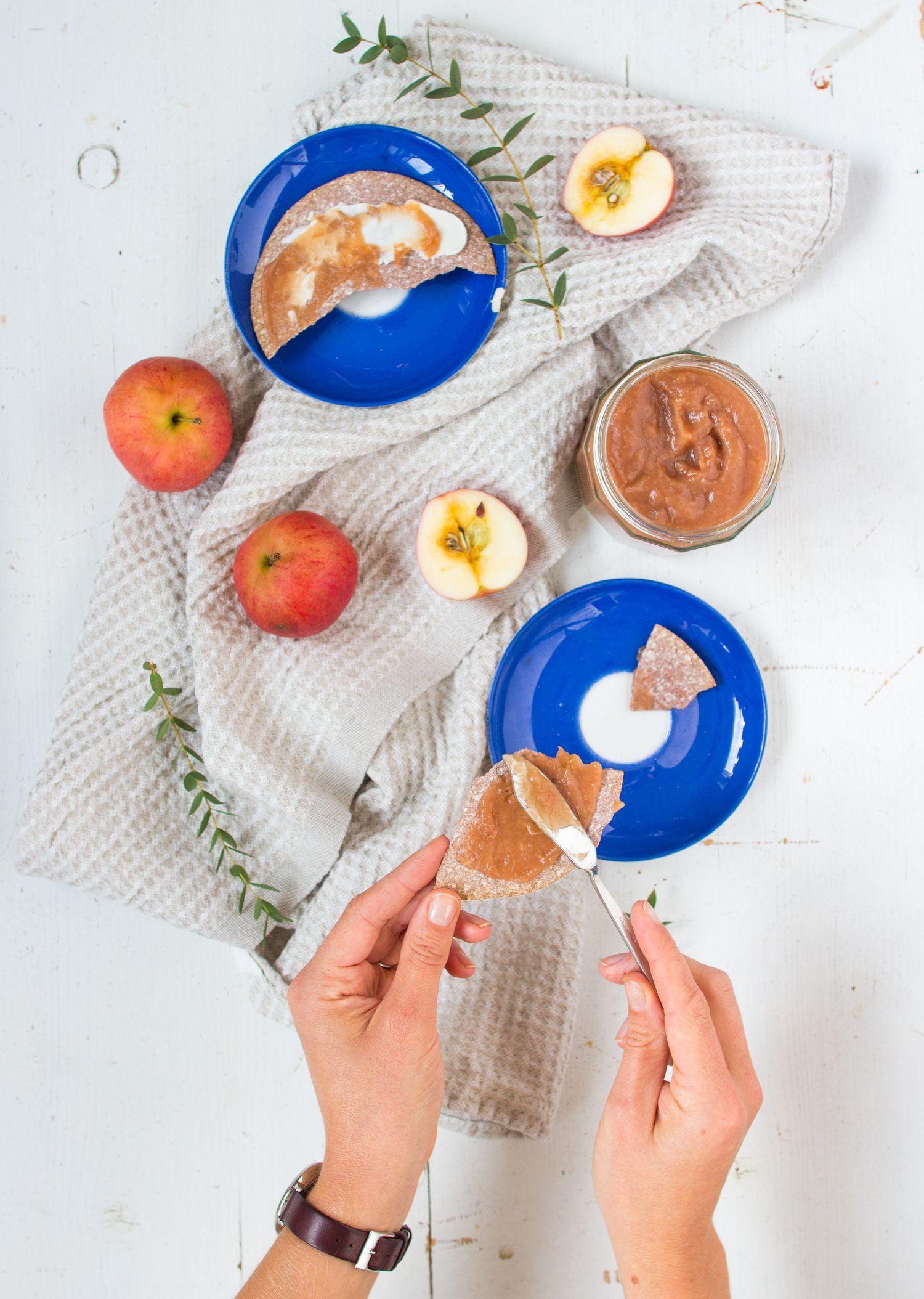 Sugar-free slow food apple butter // Sokeriton slow food omenasose