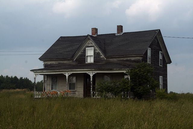 Abandoned House, Maine Route 15 | abonded houses | Abandoned
