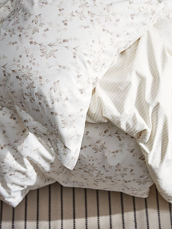 Strandfrane Duvet Cover And Pillowcase S White Light Beige King Ikea Ikea Duvet Cover Beige Duvet Covers Duvet Covers