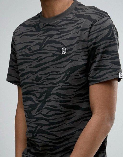 0e026d81cbdec Camiseta con estampado de camuflaje tipo cebra de Billionaire Boys ...
