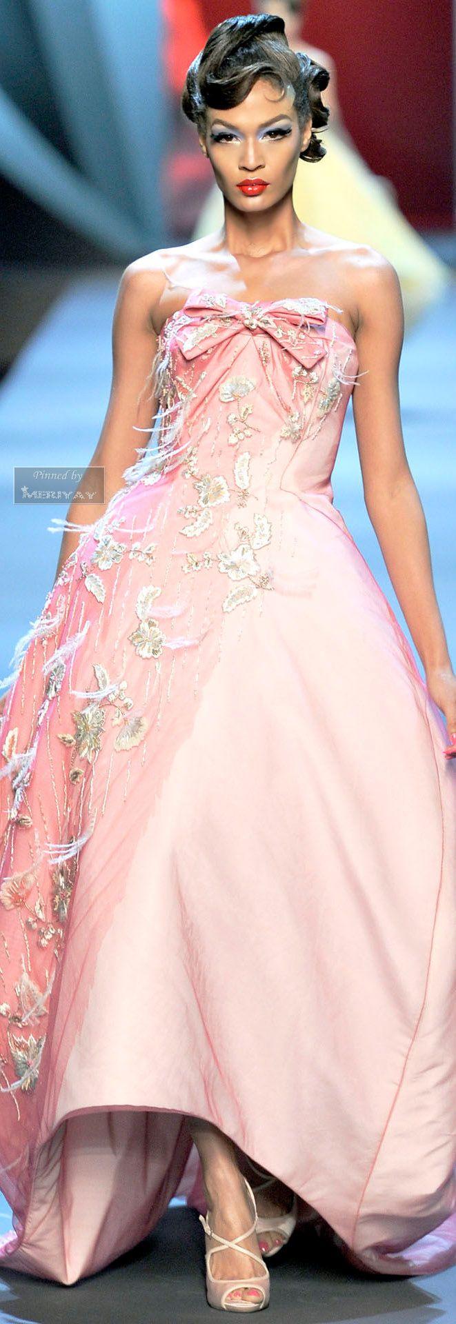Christian Dior.SPRING COUTURE 2011. V | Moda | Pinterest | Rosas ...
