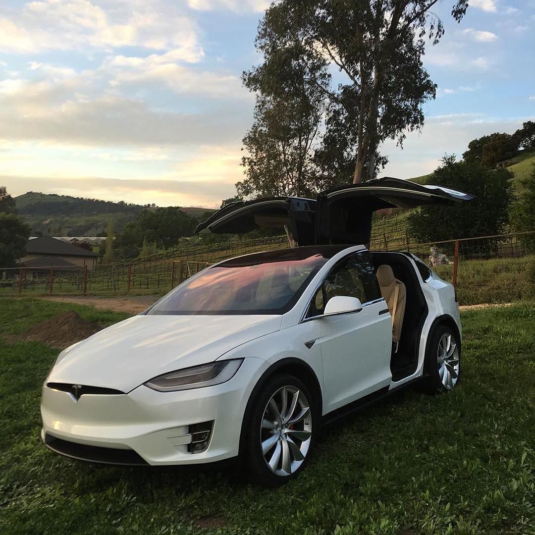 Tesla Model X Review Best Suv Around Read A Compelling Review By Clicking The Link In Our Bio Tesla Teslas Tsla Teslamoto Best Suv Tesla Model X Tesla Roadster