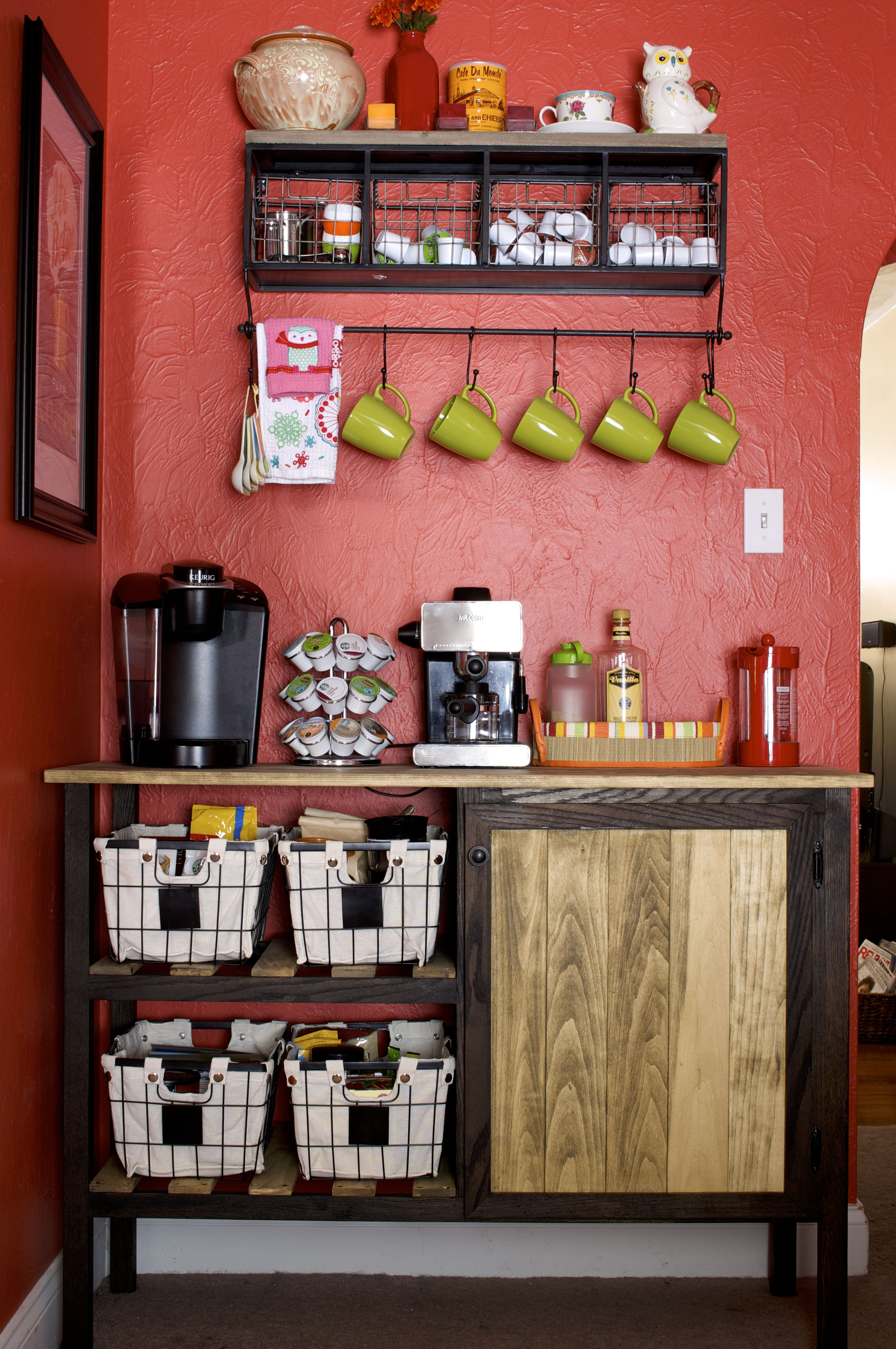 Diy coffee bar coffee bar and walls for Kitchen corner bar ideas