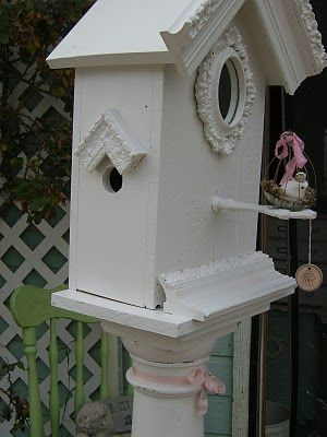Bird House With Crown Molding For The Birds Bird Houses
