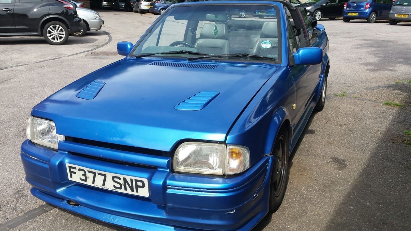 Lot 17 1988 Ford Escort Xr3i
