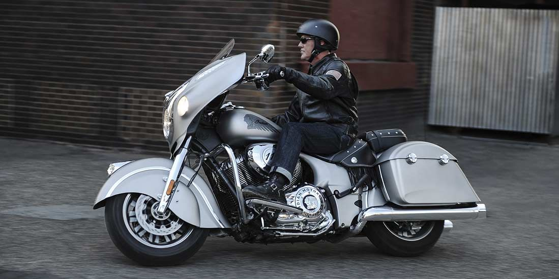 Features For The 2018 Indian Chieftain Motorcycle This Bike Has Plenty Of Punch With A Thunder Stroke 111 Engine And Showcases Ride Command