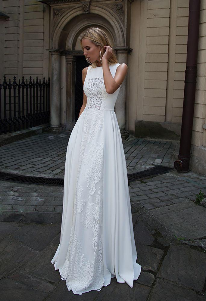 White laced long wedding bridal dress gown #bride #weddingdress ...