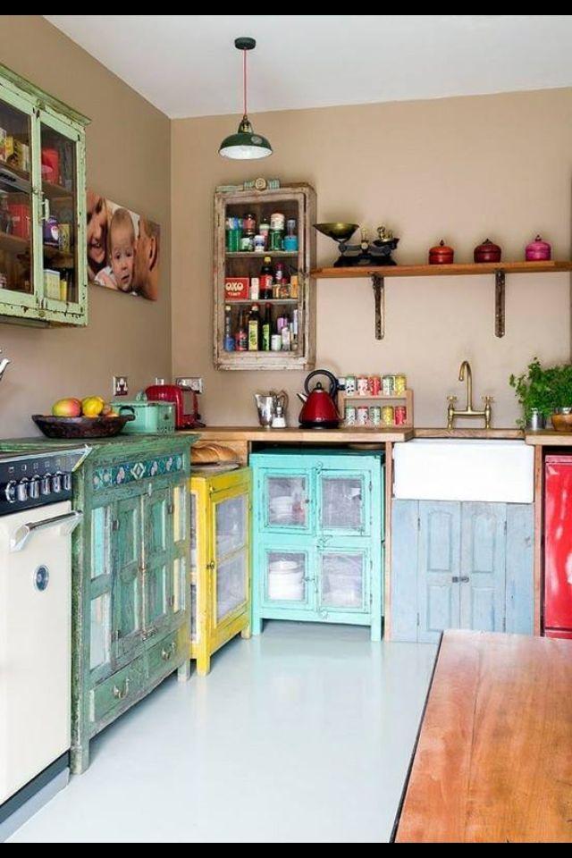 Cool vintage kitchen Love the colors! Cocinas Pinterest