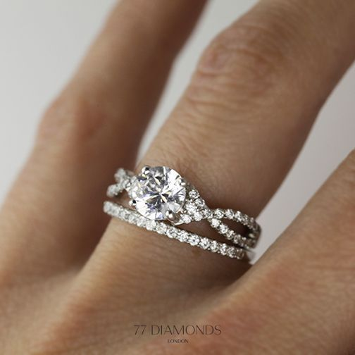 Our Lola Engagement Ring With Vogue Medi As Wedding Band Are Handcrafted For You Proposal Wedding Rings Vintage Wedding Rings Engagement Wedding Rings Oval