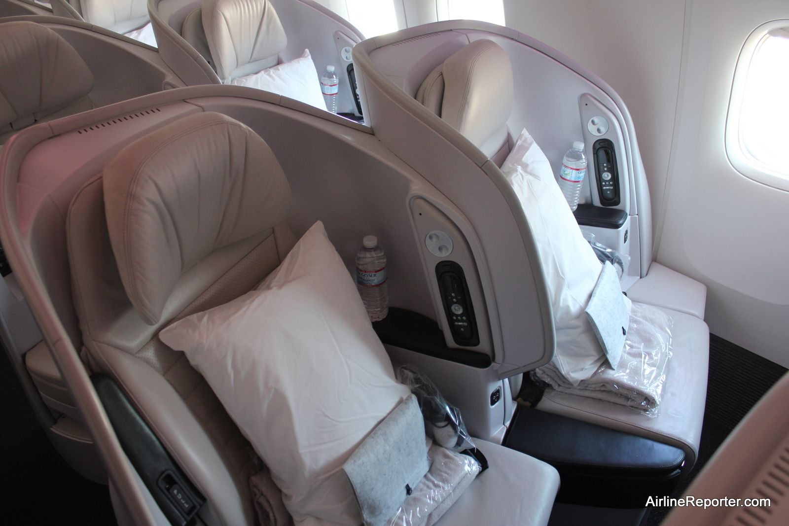 Review Of Air New Zealand S Premium Economy Without Going To Auckland Airlinereporter Air New Zealand New Zealand Going On Holiday