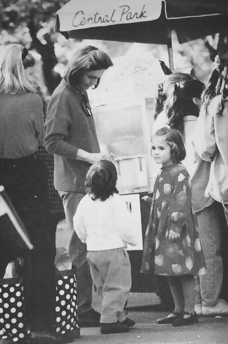Jackie Kennedy Grandchildren: Jacqueline Kennedy With Her Grandchildren, Tatiana And