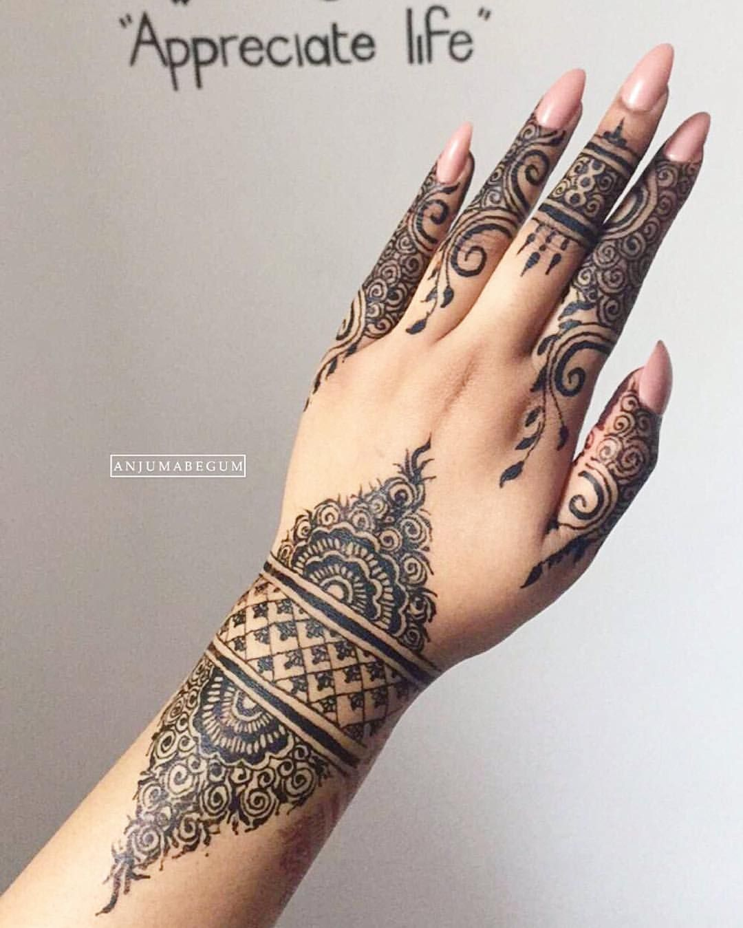 Black henna | HENNA PATTERNS | Henna, Henna designs, Henna style