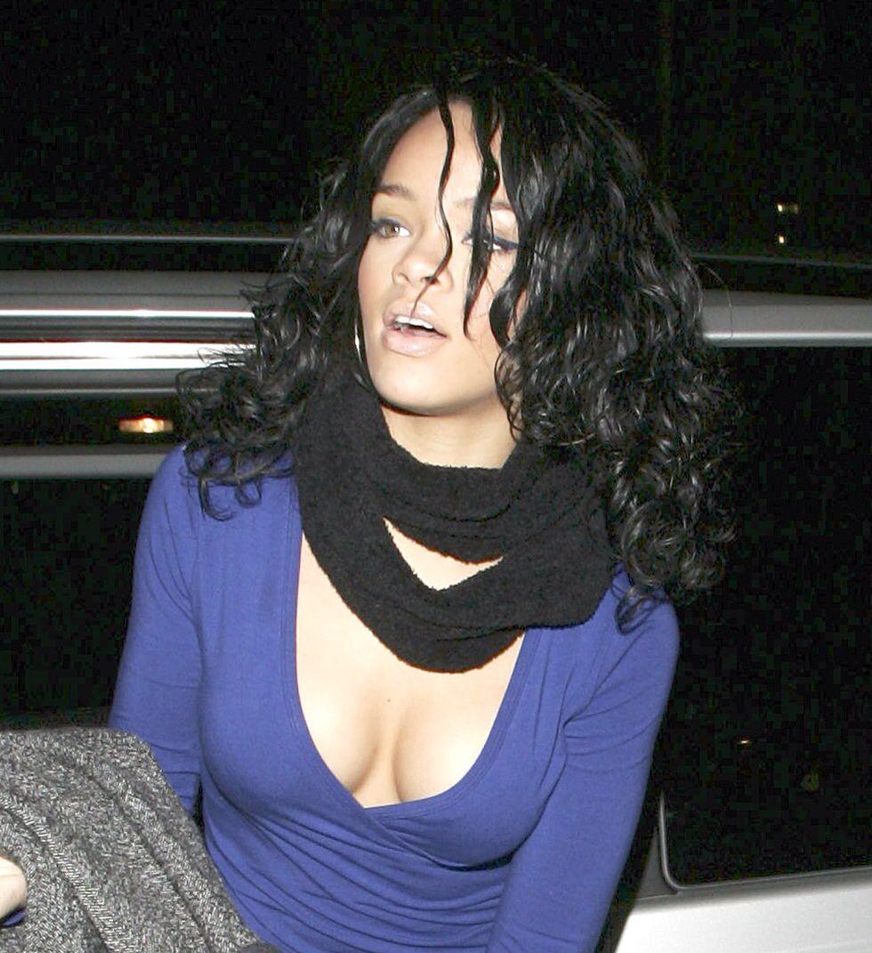 Pin By Kenzo On Badgalriri In 2020 Celebrities Rihanna