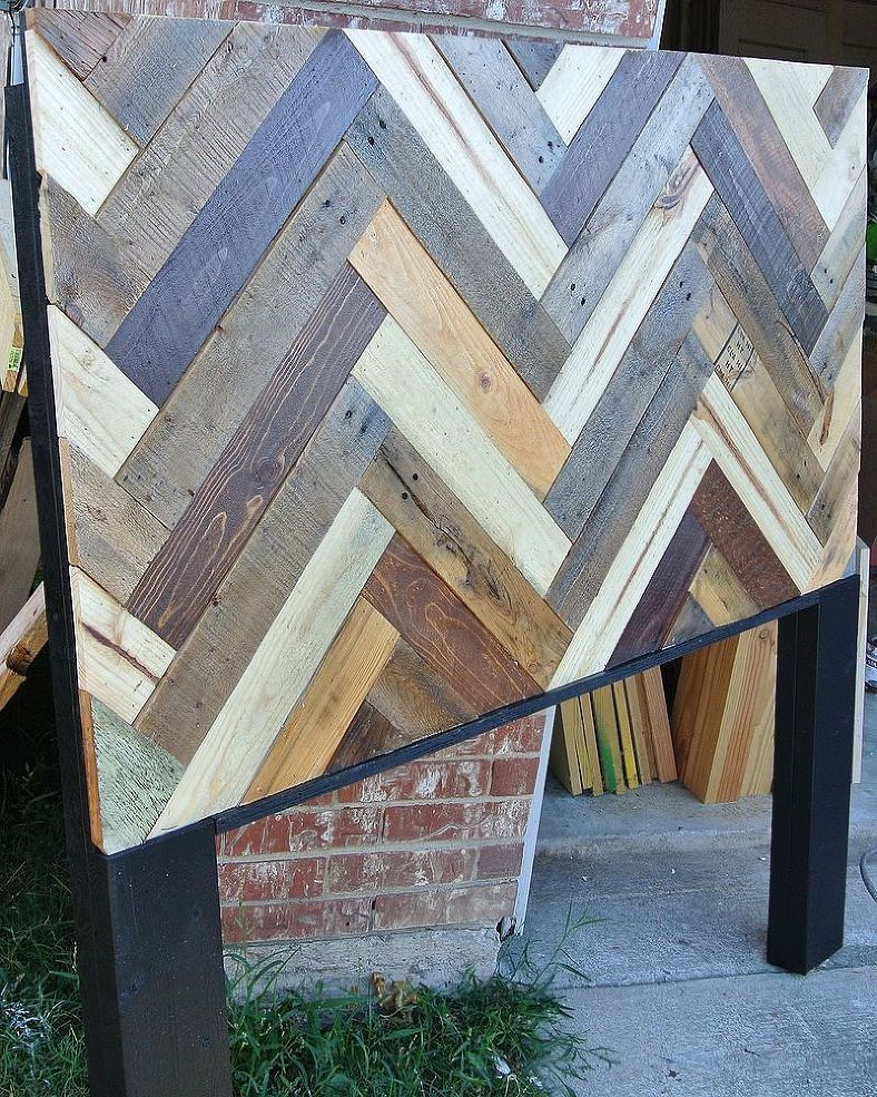 Chevron Patterned Pallet Headboard   We Were Asked To Make A Headboard  Using Wood From Pallets