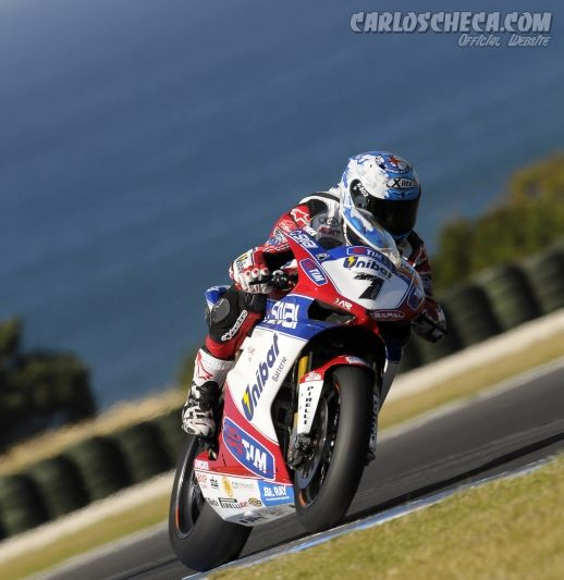 SBK : Carlos Checa World Champion 2011
