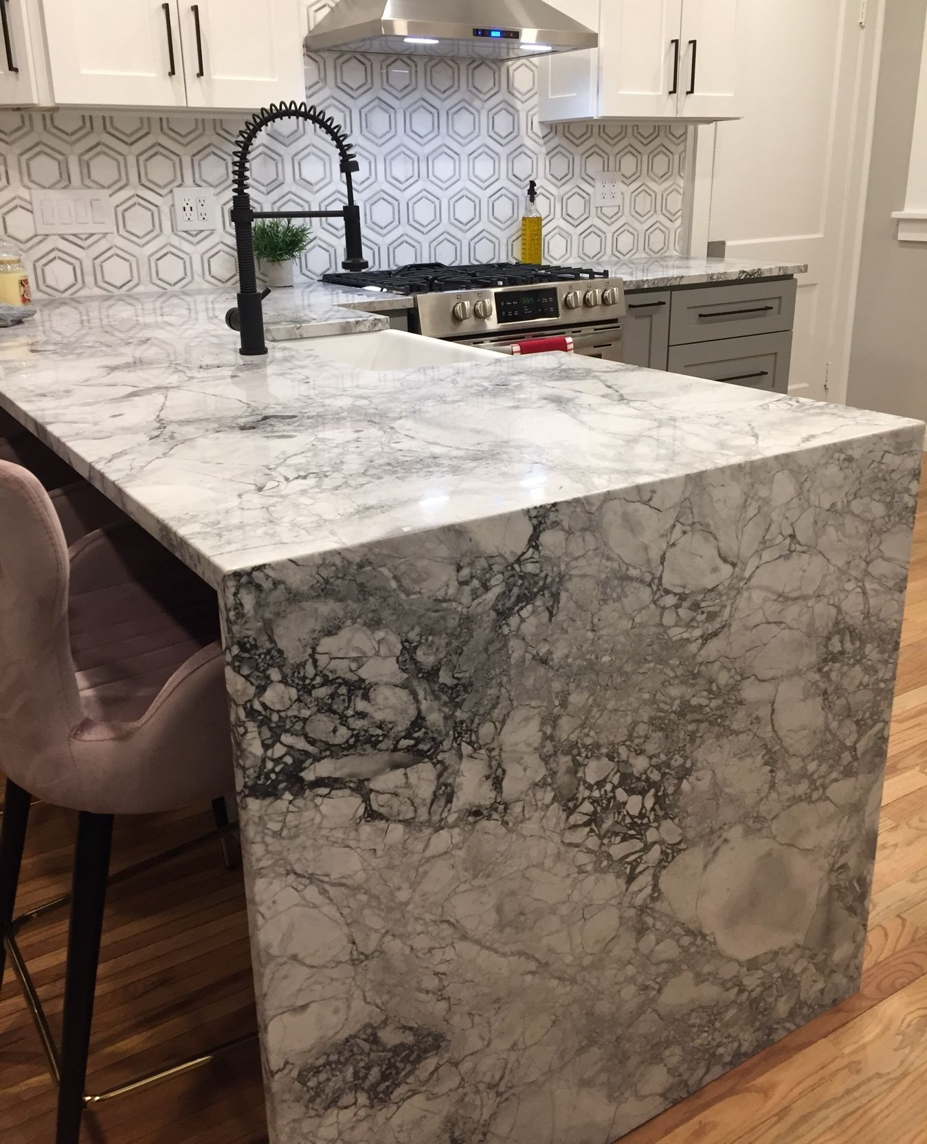 Super White Quartzite Waterfall Edge In 2020 Kitchen Design Showrooms Kitchen Design Small Kitchen Design Decor