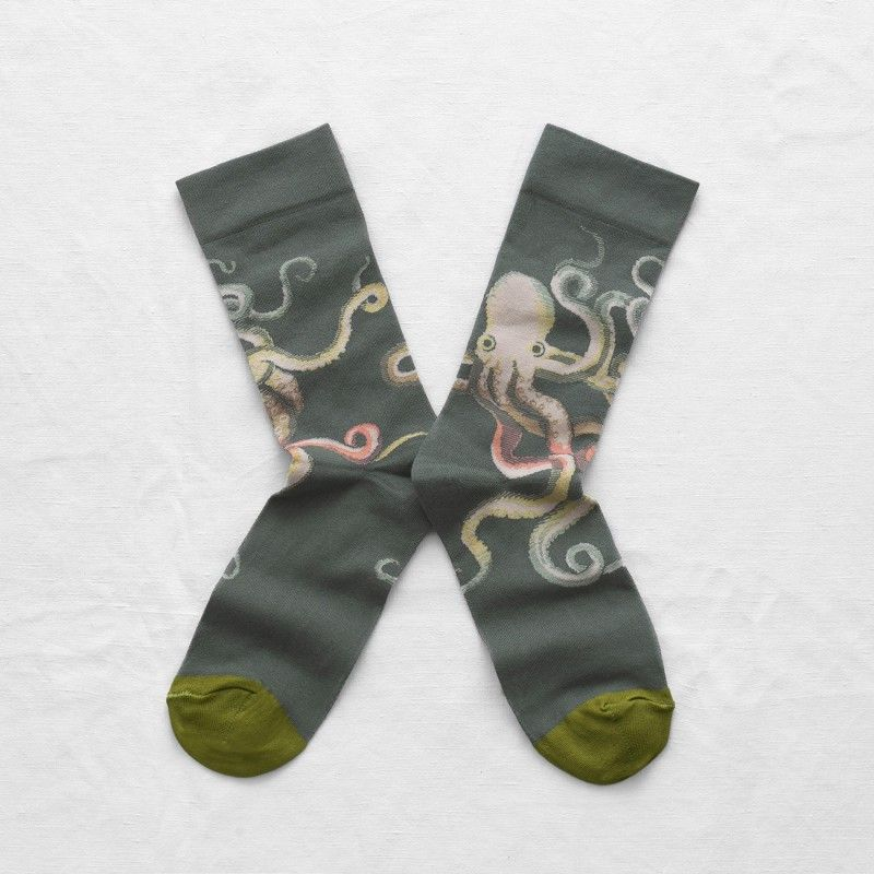 High quality socks, in double thread cotton withsome elastane for an optimal quality.