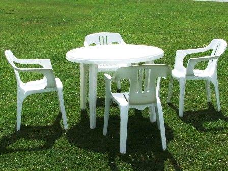 table et chaise de jardin pas cher en plastique mobilier. Black Bedroom Furniture Sets. Home Design Ideas