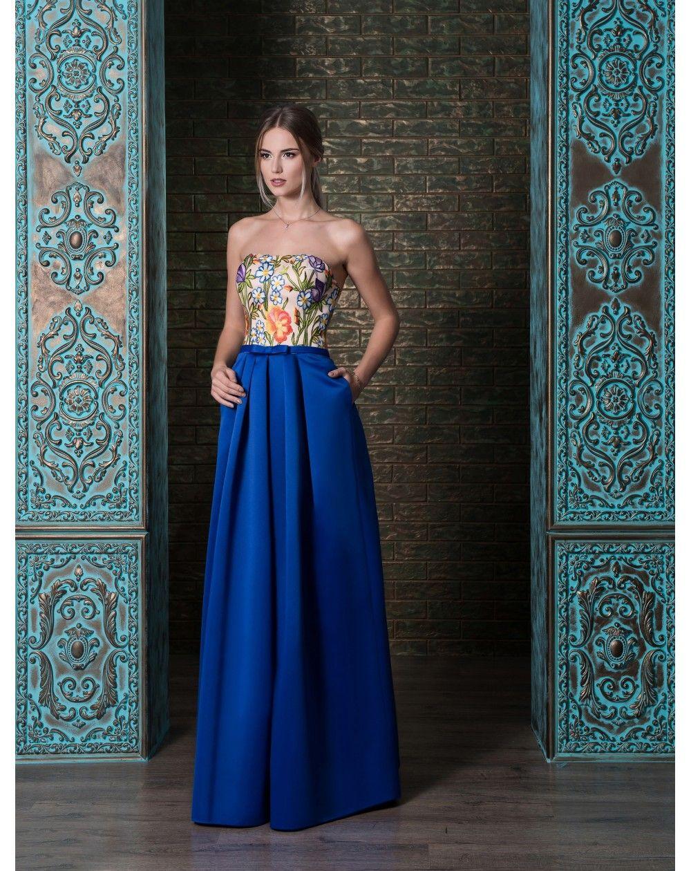 c311ad722c22 Elegantné romantické spoločenské šaty so sukňou s vreckami z mäkkučkého  saténu. Zvršok je zdobený kvetovanou