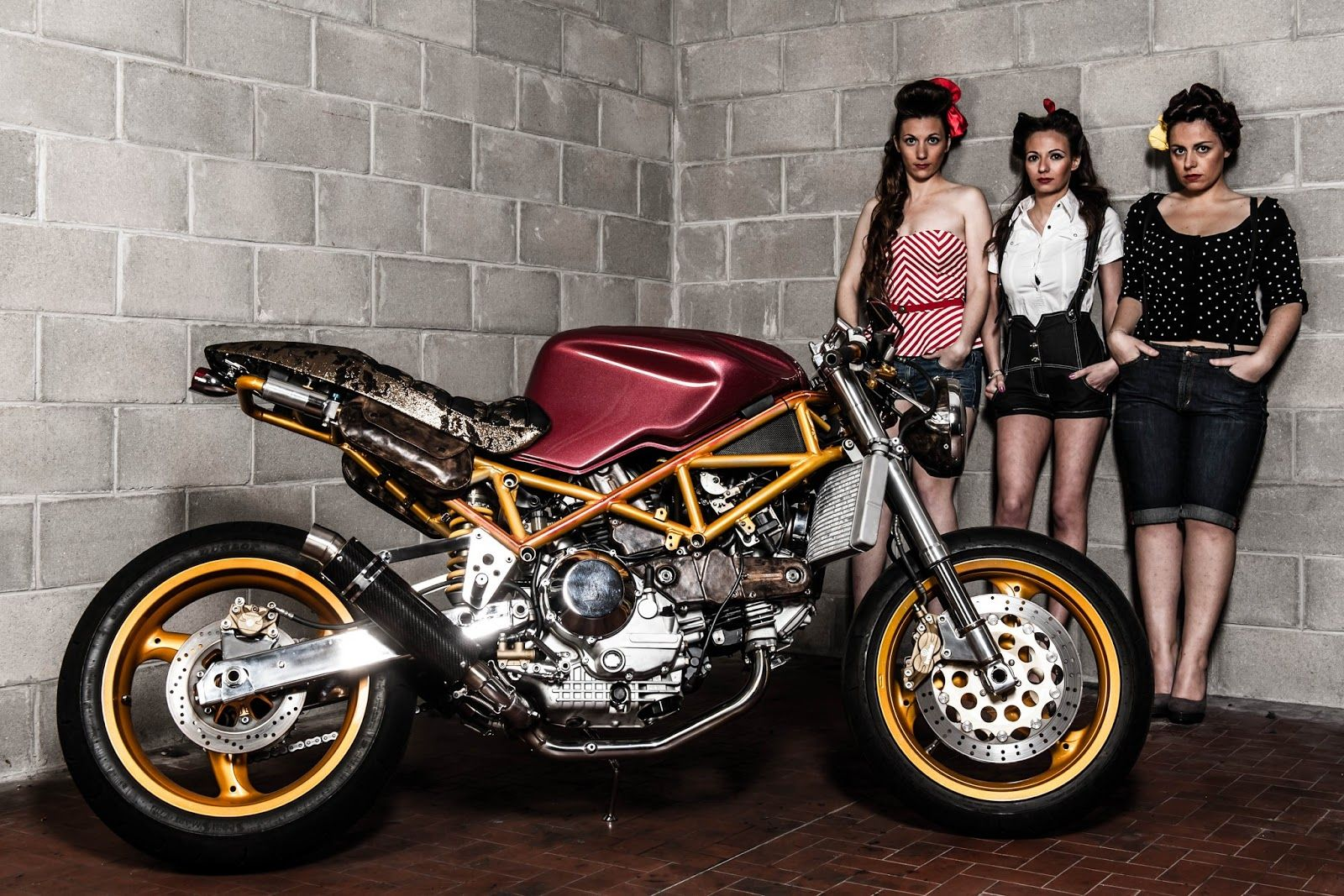lady motorcycle racers | ducati cafe racer motorcycles | motorrad