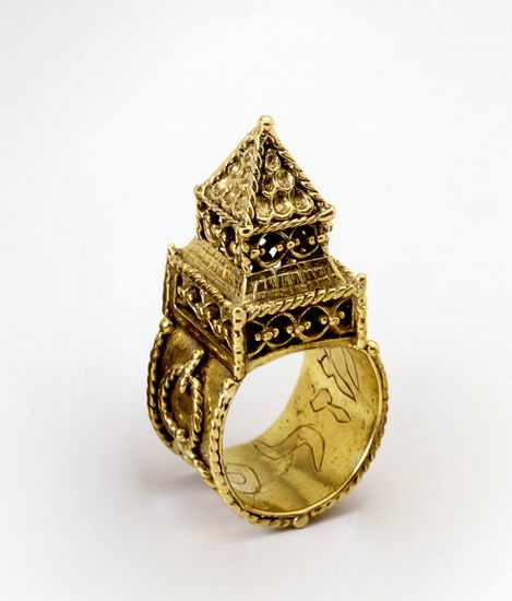 A Jewish Wedding ring like this one can be see at the Jewish Museum