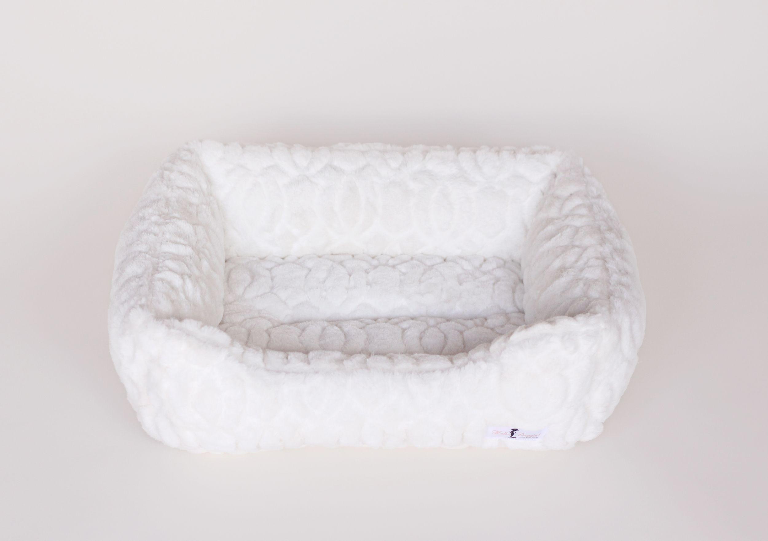 furbedwhiteb.jpg Dog bed luxury, Dog bed, Luxury dog
