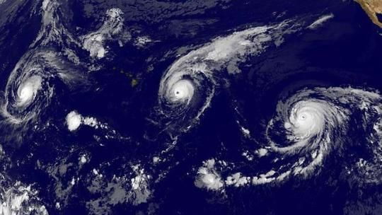 Three major hurricanes simultaneously appear in the Pacific http://yhoo.it/1JwjD70 via @YahooTravel