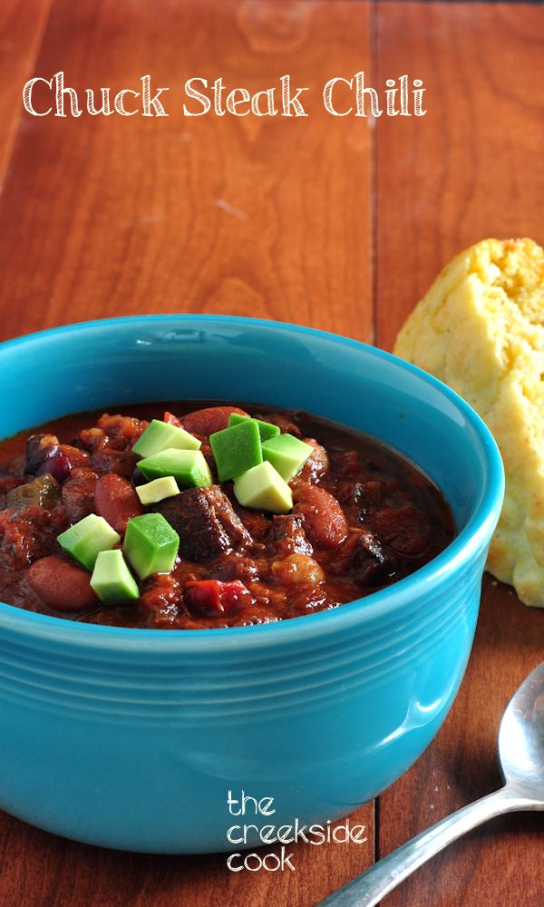 Perfect for a lazy weekend meal - a long, slow simmer makes for tender steak and deep flavors! Chuck Steak Chili - The Creekside Cook #dinner #chili