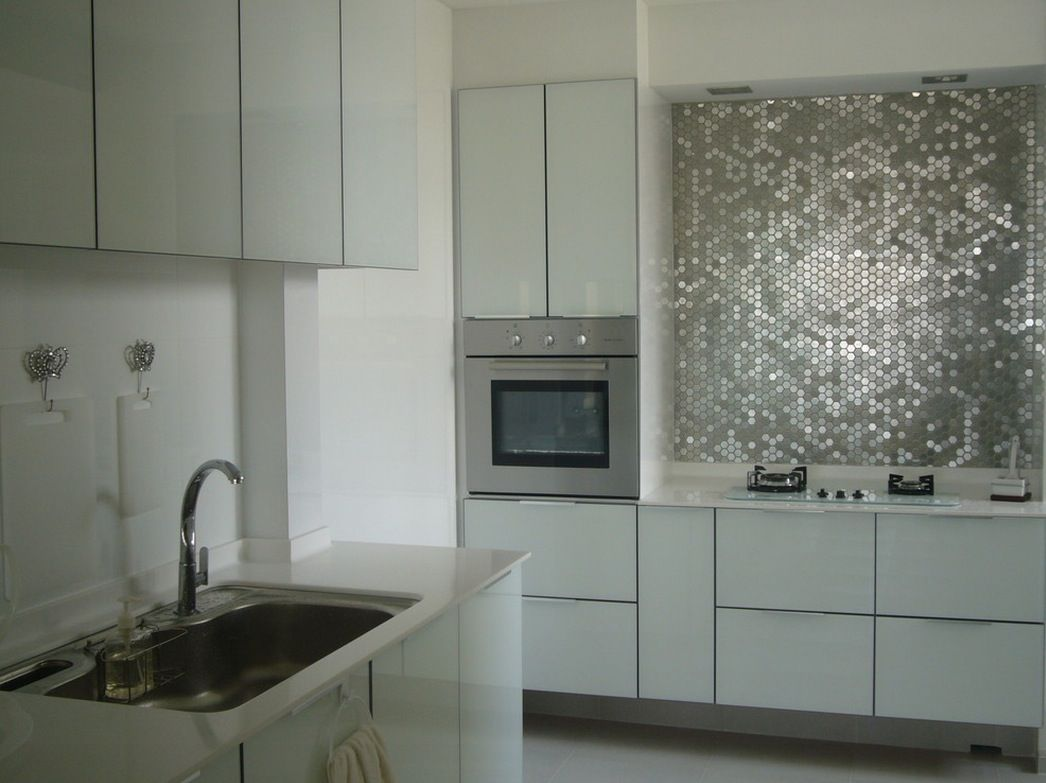 Mirror Tile Backsplash Kitchen 50 Kitchen Backsplash Ideas Metallic Mirrored Tiles Create A