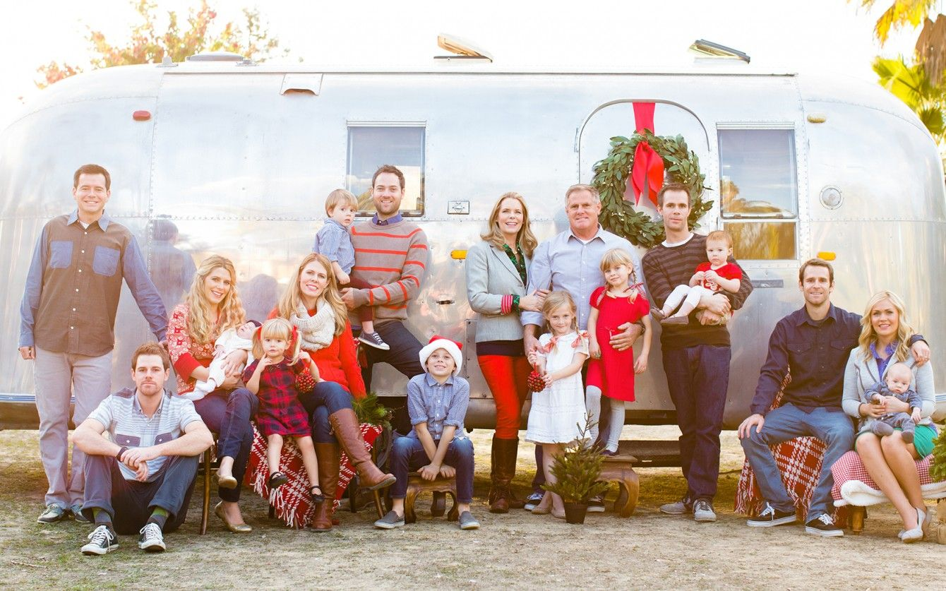 Adorable family Holiday Photos using airstream trailer by Aqua photo ...