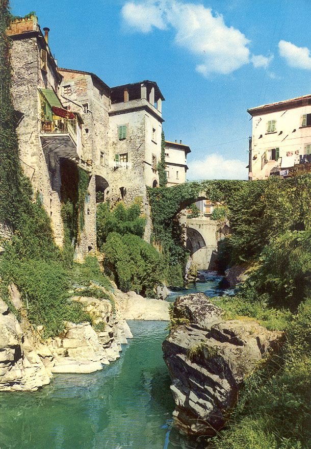Bagnone - Terre di Lunigiana  http://pellegri.free.fr/Photos/Bagnone-B.jpg