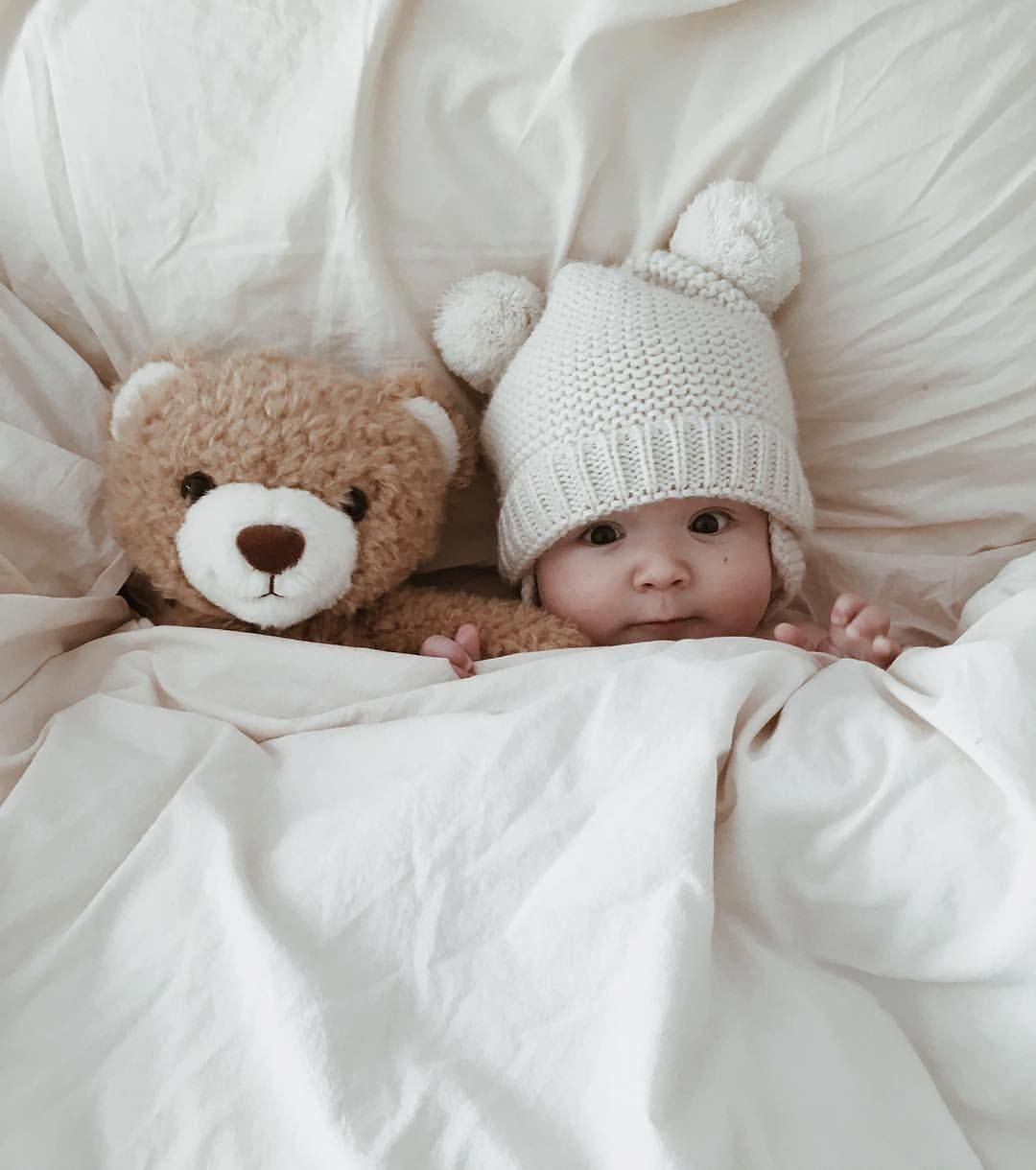 Newborn Photography Valentines Outfit Newborn Photography Knit Blanket #cameraba...