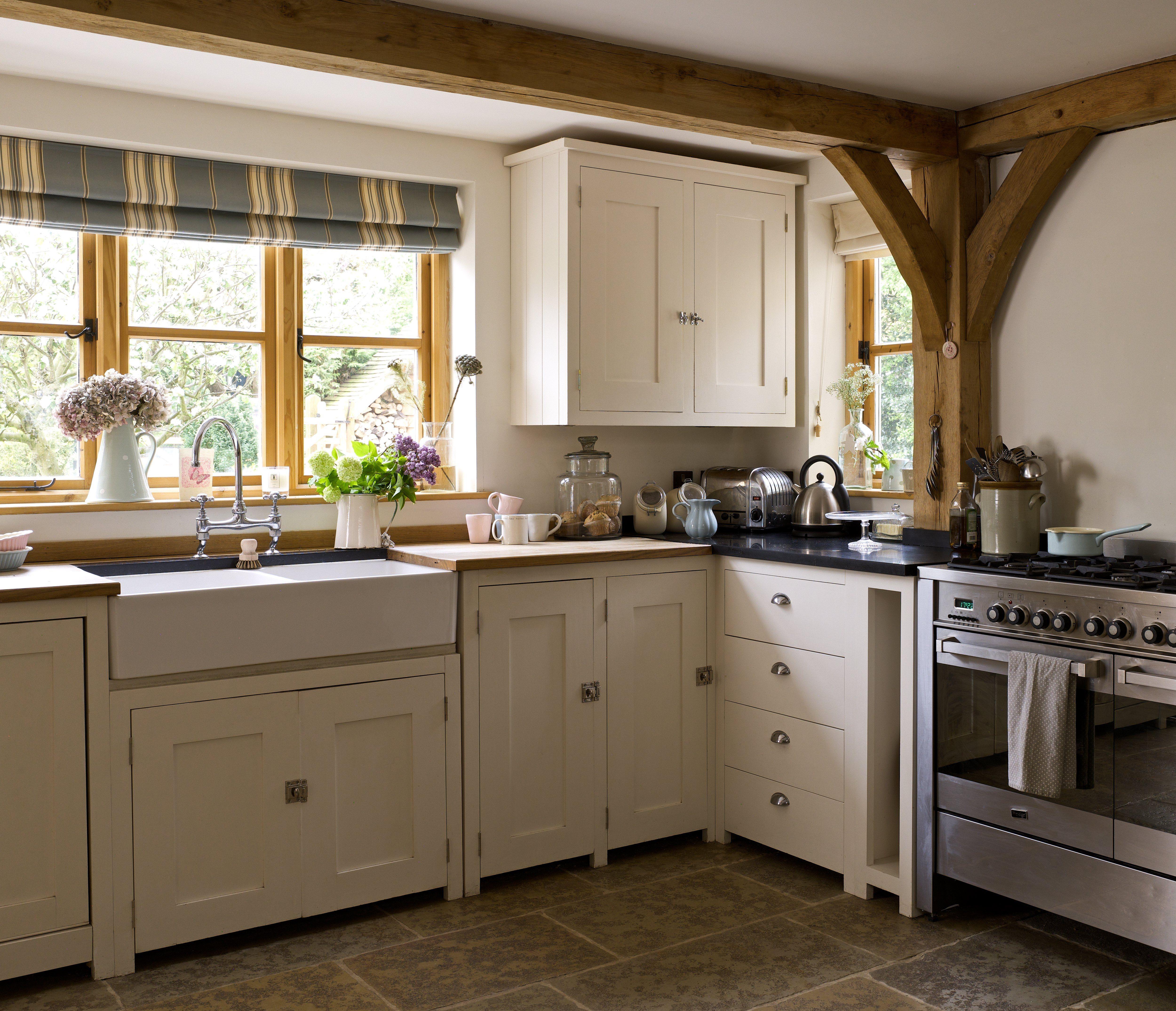 Pin By Laura On Border Oak Case Study Ryelands Kitchen Design Condo Kitchen Oak Frame House