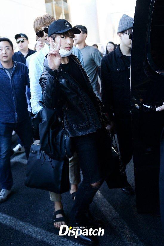 Korea Korean Kpop Idol Boy Band Group Bts Bbma Airport Fashion Bangtan Boys Jungkook Billboard Las Vegas Arrival Guys Men Kpopstuff North Korea Korea Jungkook