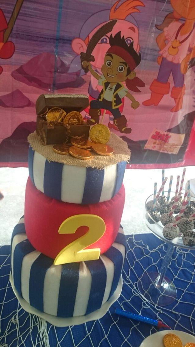 Bizcocho cumpleaños jake y los piratas de nunca jamas