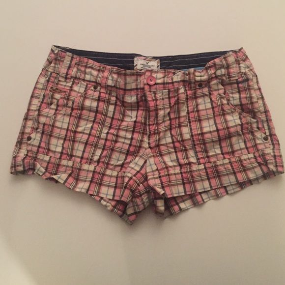 Pink and brown plaid shorts Pretty American Eagle plaid shorts, pink and brown. Super cute for summer! American Eagle Outfitters Shorts