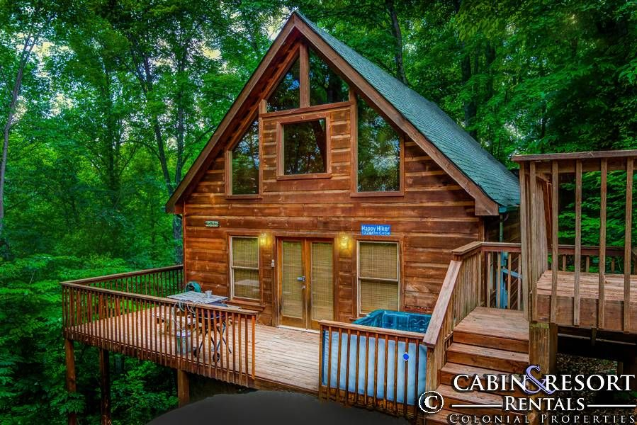 Happy Hiker In 2019 Gatlinburg Tn Cabin Rentals Gatlinburg