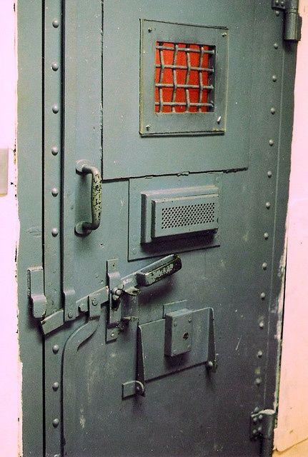 Prison Room Size Поиск в Google Asylum Industrial