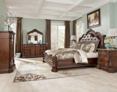 Ashley Ledelle 4-Piece Queen Bedroom Set | Homemakers Furniture