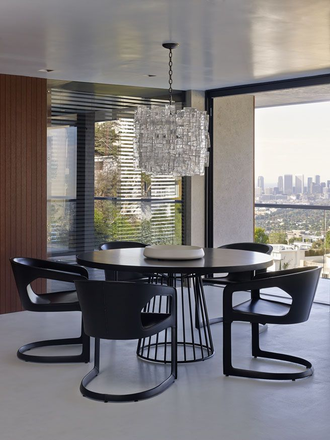 Project: Los Angeles Residence Designer: Bernd Gruber Products: Wired Dining  Table By Reza