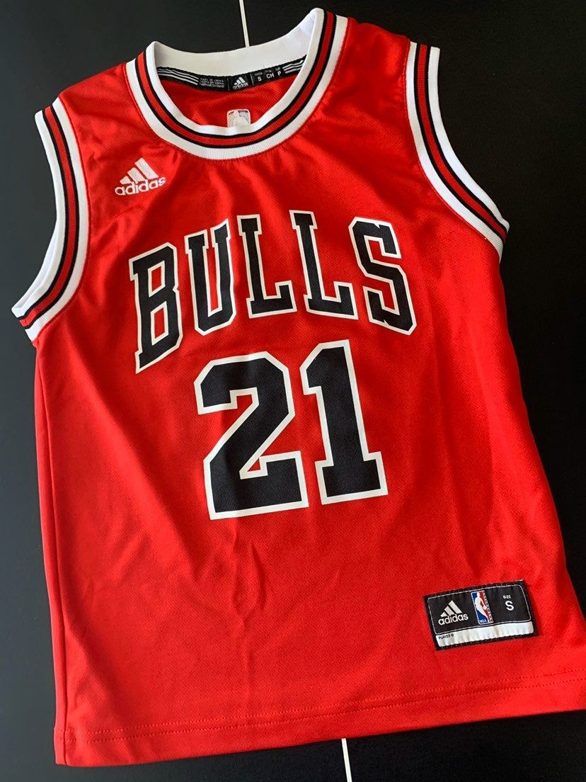 Chicago Bulls Kids Jersey Size Small Could Fit Women S S Xs Excellent Condition Adidas Tops Fit Women Jersey