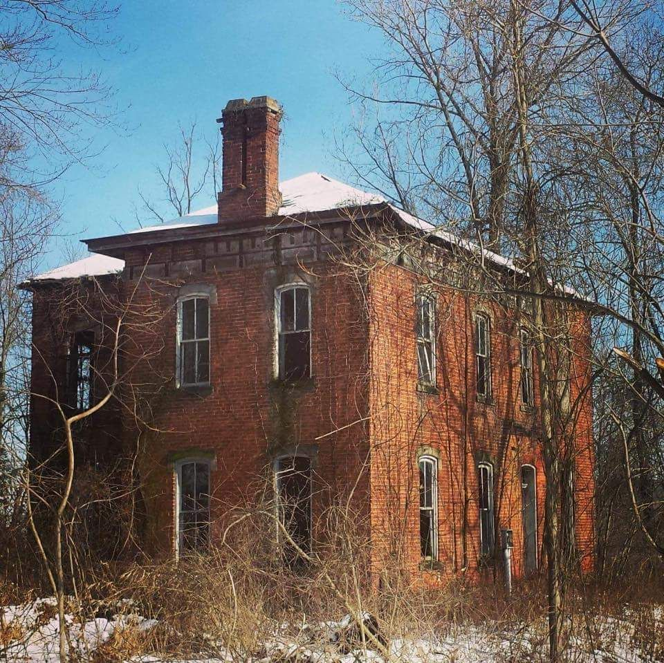 Abandoned Farmhouse In Glenford OH (960x969)