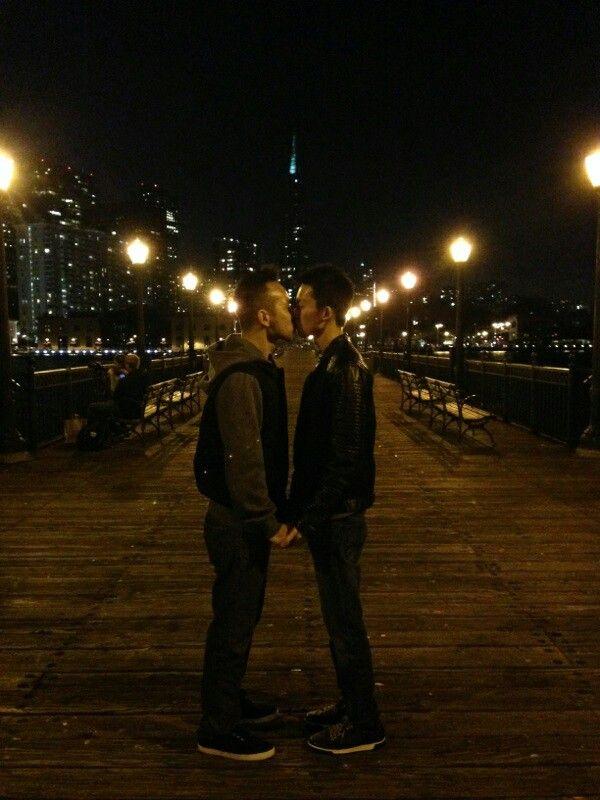 St night teen couples