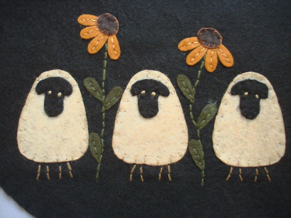 Small Sheep Trio & Flower Black Table Runner Candle Mat Doily Primitive GR-145 #Collins